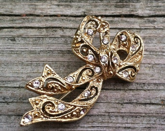 SALE Vintage Bow Rhinestone Brooch Costume Jewelry