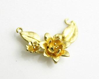 6  pcs of  brass three loop floral charm pendant 30x18mm-1654-Raw brass