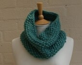 Chunky knit Snood in Frost, choose a colour,Knitted snood, warm scarf, winter snood,