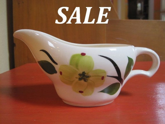 Blue Ridge Southern Potteries White Cream Ivory Gravy Sauce Boat Bowl With Green Flower