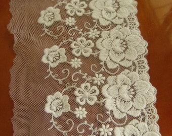off white embroidered lace trim, retrp flowers lace fabric, vintage lace, gauze lace, retro tulle lace