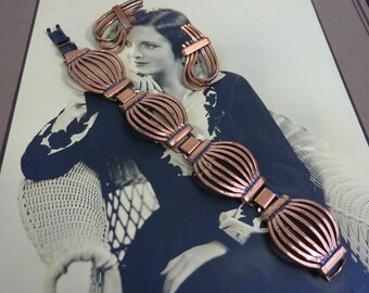 VINTAGE SIGNED RENOIR beautiful copper bracelet and clip on earrings set