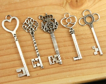 25 Large Skeleton Key Collection Antiqued Silver