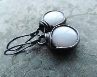 Winter white earrings, glass earrings, tiffany earrings, white earrings, cyber monday, danging earirings