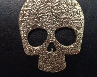 Weathered bronze Skull pendant necklace