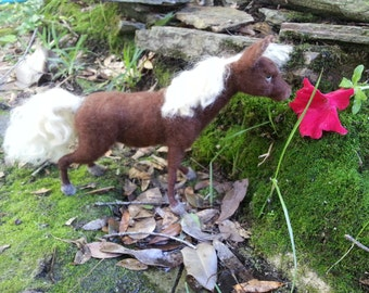 Needle Felted Rocky Mountain Horse, Poseable Soft Sculpture of Pony