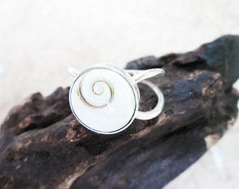 floaty handmade Silver Ring with Shiva Eye Shell - Original Silver Shiva Eye Ring - Silver Shell Ring