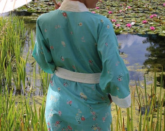 Floral Lagoon Short Kimono Dressing Gown