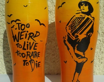 Fear and Loathing in Las Vegas, Hunter S. Thompson, 'Too weird to live, Too rare to die' SINGLE Pint Glass