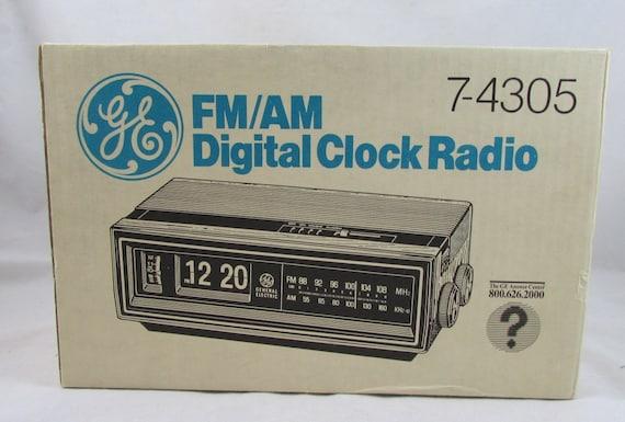 vintage ge flip clock am fm radio 7 4305 new alarm general. Black Bedroom Furniture Sets. Home Design Ideas