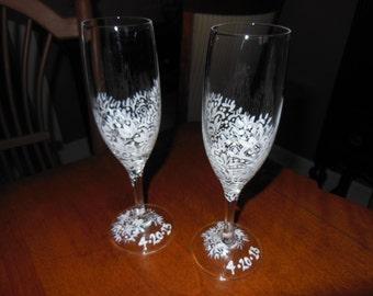 Vintage lace champagne flutes