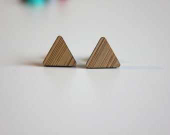 Triangle studs earrings, bamboo/ Laser cutting/ Petite Fantaisie Collection.