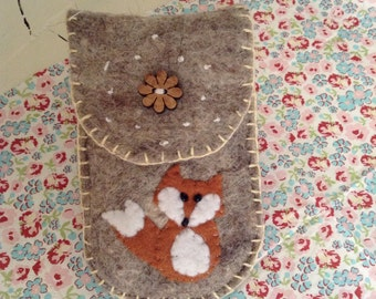 Fox phone case felted