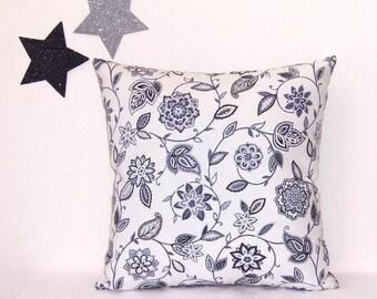 Jual Throw Pillow : Waverly Sofa Pillows ? Refil Sofa