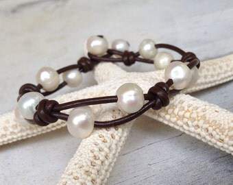 Leather pearl bracelet, leather and pearls, pearl on leather, pearl bracelet, pearl jewelry, mothers day gift