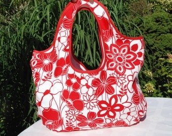 Beach bag red white