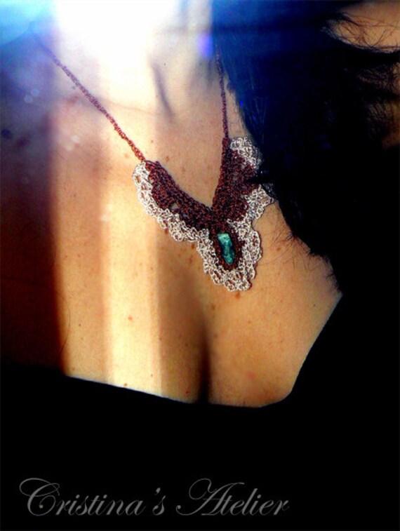 Lace crochet aventurine necklace- Rough gemstone crochet necklace- Green stone fashion necklace- Mermaid bib necklace- Women crochet jewelry