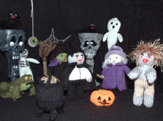 Knit your own Halloween decorations or toys
