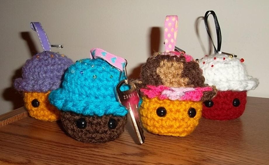 Amigurumi Cupcake Keychain : Crochet Cupcake amigurumi keychain/ Kawaii / by ...
