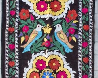 Uzbek machine embroidery suzani from Thashkent / Uzbekistan 3063