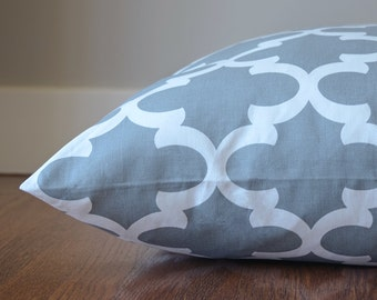 Dog Bed Cover, Custom Dog Bed, Ash Gray Moroccan Quatrefoil Pet Bed Cover, Choose Your Size