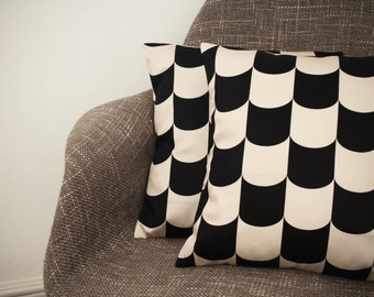 Black and Cream Scale Cushion Cover