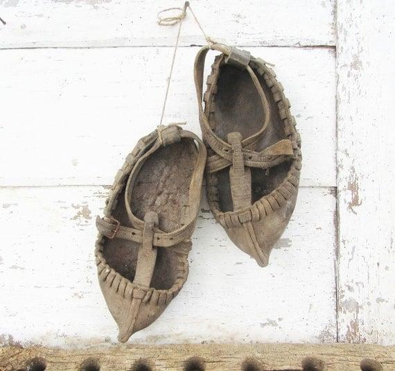 Antique 1800 -Vintage dancing shoes, Vintage leather shoes, Vintage moccasins, Antique shoes,Handmade leather shoes, Opintsi, Cottage chic