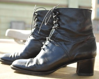 Lundi Bleu Black Leather Ankle Boots With Heel Size 35.5