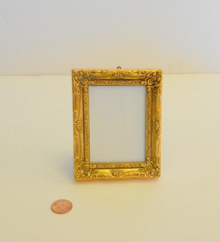 home interior small gold picture frame ornate antiqued gold. Black Bedroom Furniture Sets. Home Design Ideas