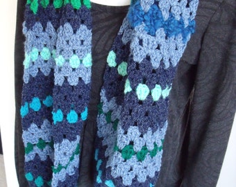 crochet scarf in blue and green (length 140 cm, width 20 cm)