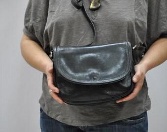 Vintage BORELLA leather messenger bag.....(346)