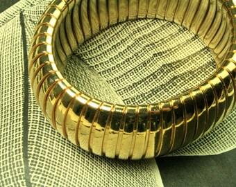 Vintage 1970s Articulated Golden Metal Bracelet