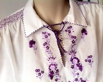 Purple EMBROIDERED Vintage Blouse M-L