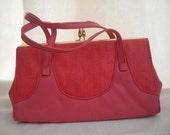 SALE Vintage Fuschia Pink clasp handbag