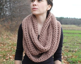 Oversized chunky Scarf. crochet cowl scarf. Brown crochet cowl. chunky scarf. chunky scarf infinity. Cowl scarf. Infinity scarf
