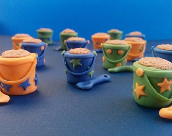 12 beach buckets and shovels fondant toppers