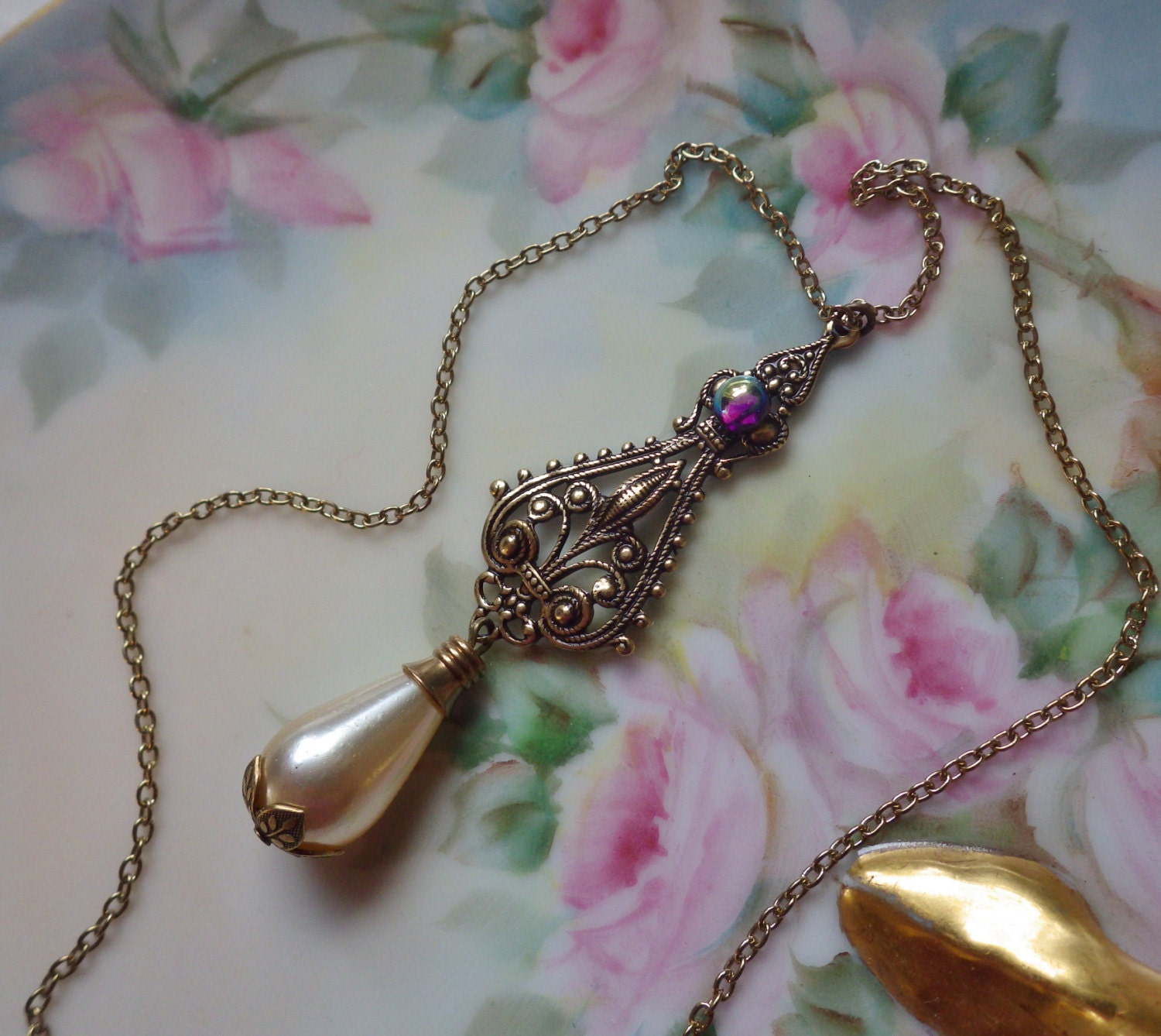 Pearl Necklace Styles: Vintage Style Pearl Necklace Pearl Pendant By