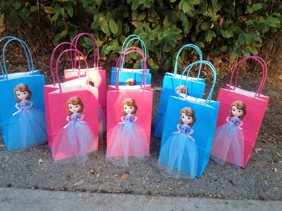 Princess and the Frog Party Favors. Plastic Printed Favor Bag ... & 35 Gorgeous Disney Princess Birthday Party Ideas | Table Deocrating ...