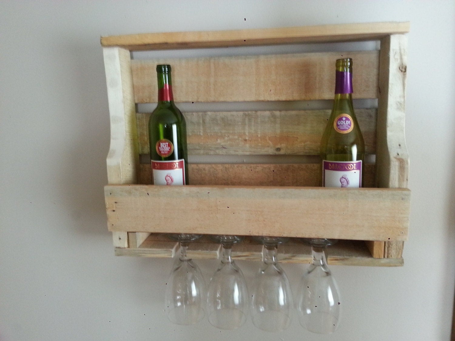 Rustic Pallet Wood Wine Rack