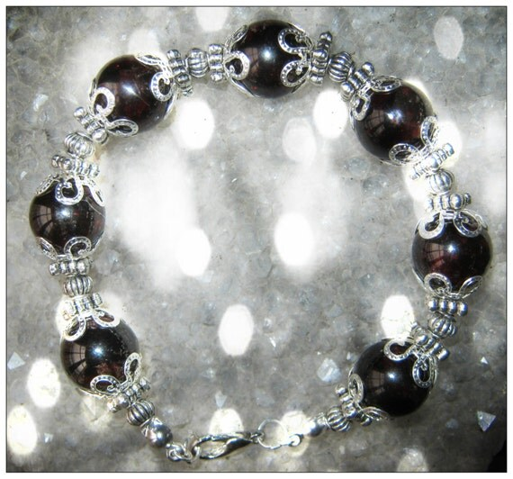 Beautiful Handmade Silver Jewelry Set with Garnet