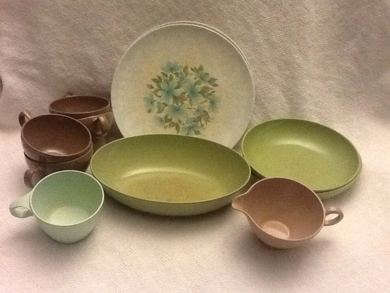 Green and brown melamine dishes for Cuisine melamine