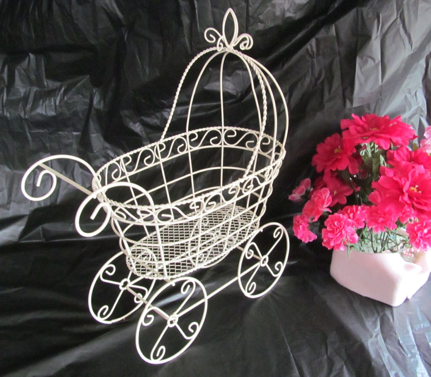 12 antique wire baby carriage pram great by rustywireboutique for Baby carriage decoration