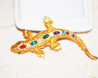 Vintage Jeweled Rhinestone Figural Gecko Lizard Bright Gold Tone Brooch