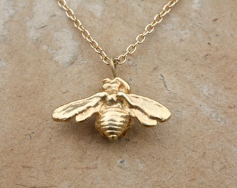 Golden Honey Bee necklace. Alex Monroe style, gold, insect, wings, wing, exotic, gift for her, boho, palomita jewellery, palomita jewelry,11