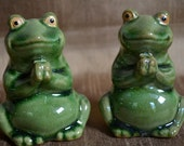 Vintage Green Frogs Sitting Up Hands Clasped  Bookends or Decorative Decor