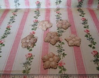 Six little wood flower appliques