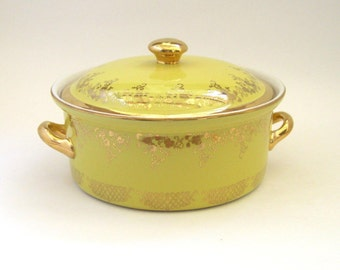 Hall China Canary Yellow Casserole - Gold :Label Line