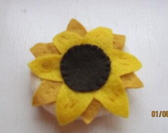 felt sunflower cookie