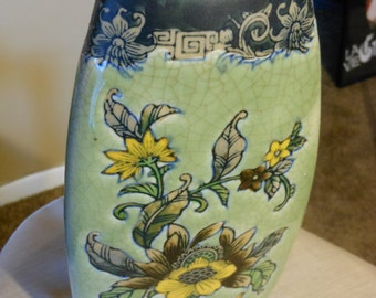 3-sided Formalities 10-inch Floral Vase