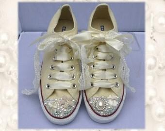 Wedding converse / bridesmaid converse / Vintage converse / lace converse / delicate / romantic